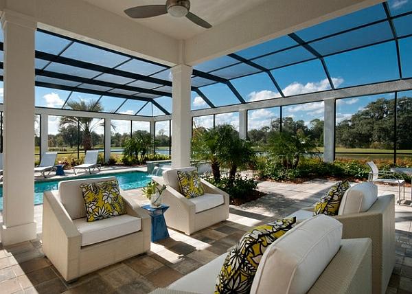 schwimmbecken zu hause überdachte veranda panorama fenster