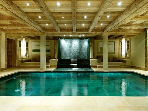 schwimmbecken zu hause antike säulen