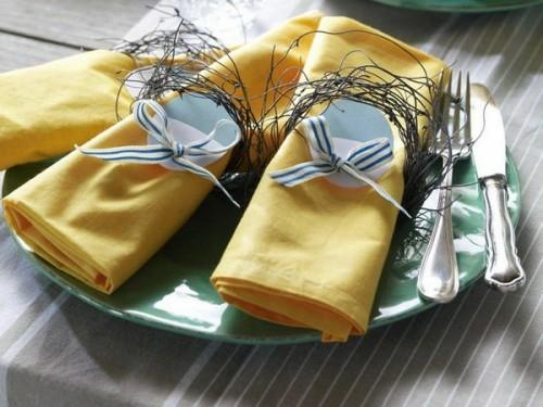 tischdeko ostern gelbe stoffservietten