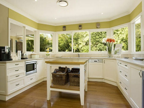 u-form küche rustikal panoramafenster