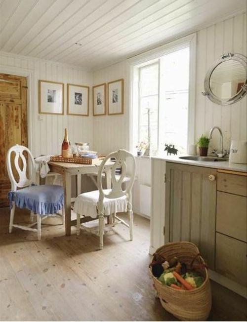 vintagetische rustikal weiße stühle