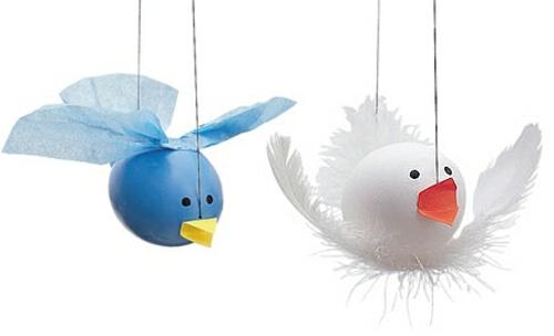 witzige ostereier vögel blau weiß