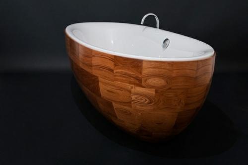 attraktive badezimmer mit badewannen aus holz. Black Bedroom Furniture Sets. Home Design Ideas