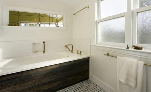 Badezimmer Badewannen aus Holz weiß einrichtung