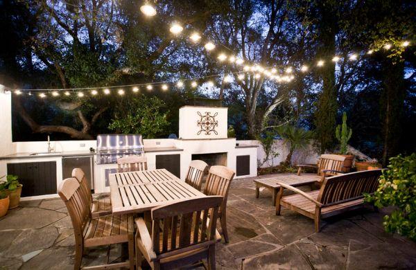 Bastelideen im Garten gartenbeleuchtung lichterkette gartenmöbel holz