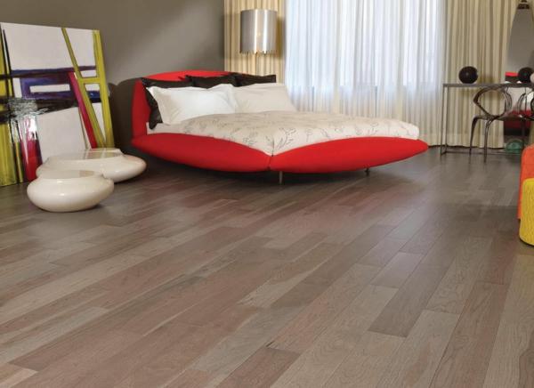 Bodenbelag  Massivholz schlafzimmer bett rot matratze