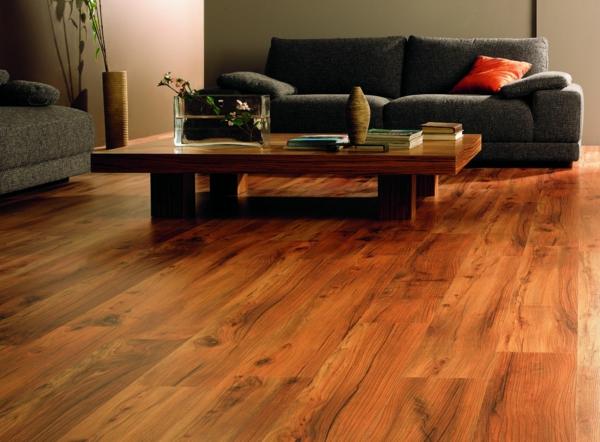 Bodenbelag Massivholz wohnzimmer couchtisch sofa