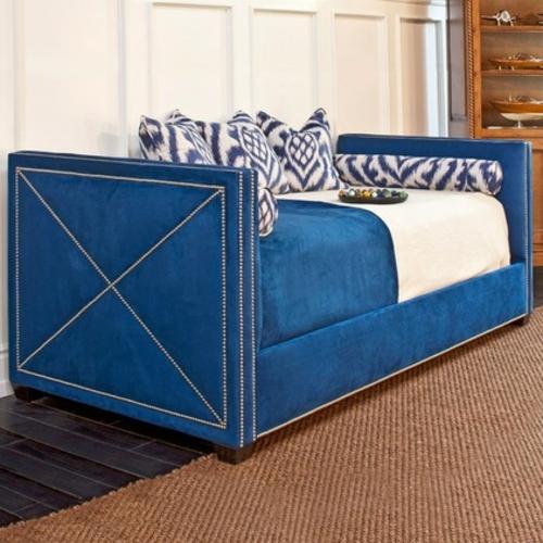 Chaiselongue und Schlafcouch blau samt