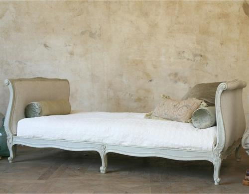 Chaiselongue und Schlafcouch klassisch design