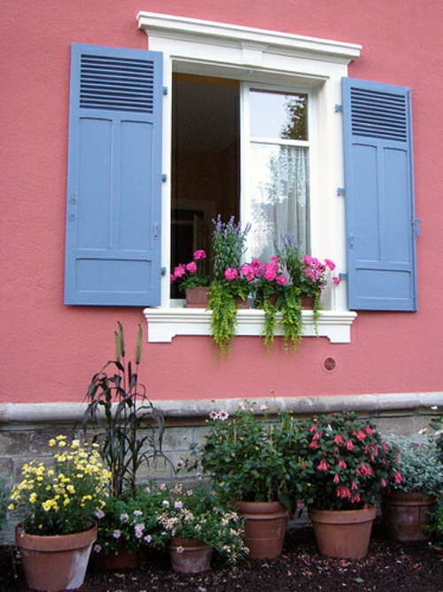 Coole Gartendekoration blumen fenster laden blumenkasten
