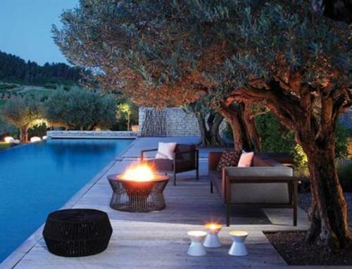 Coole Gartendekoration sitzecke pool feuerstelle bequem möbel