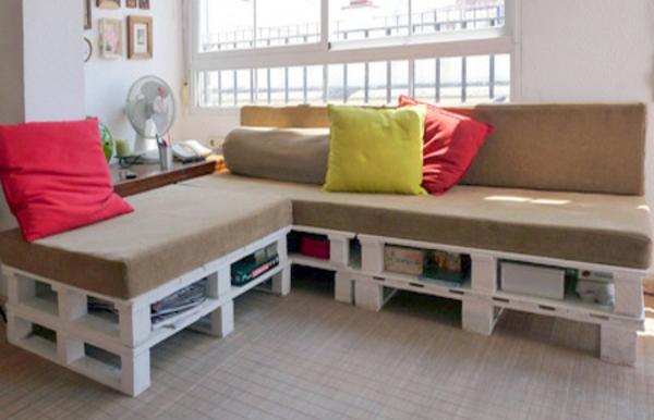 DIY Möbel aus Europaletten braun auflagen schaumstoff