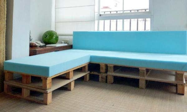 DIY Möbel aus Europaletten bunt platten sofa