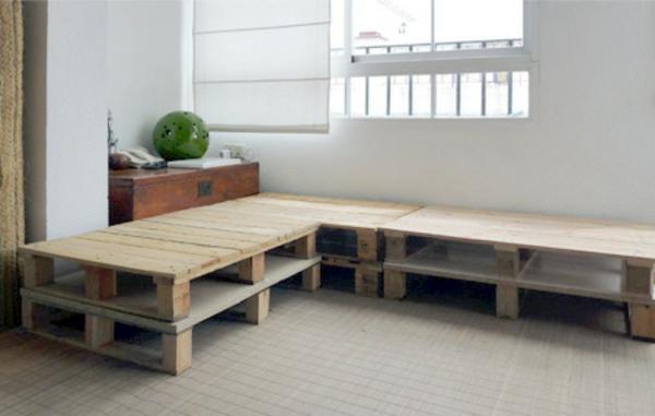 DIY Möbel aus Europaletten sofa auflagen ecke wohnlandschaft