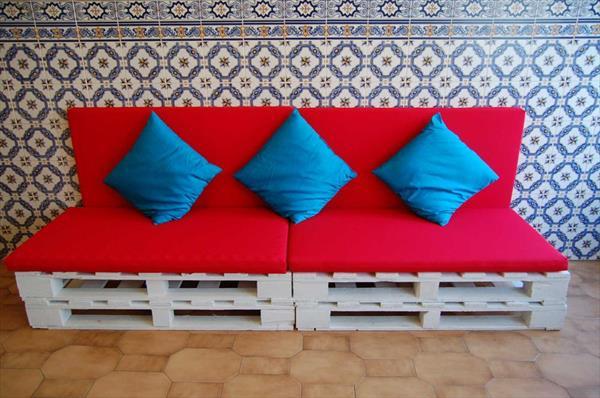 diy sitzm bel aus europaletten coole wohnlandschaft f r ihr zuhause. Black Bedroom Furniture Sets. Home Design Ideas