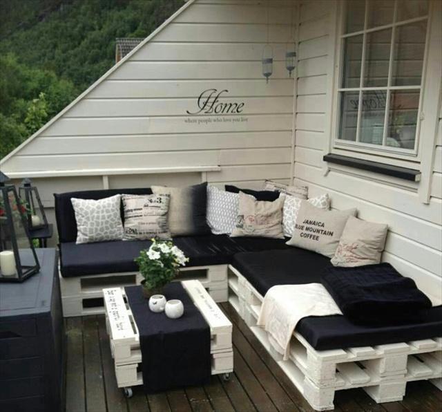 DIY Sofas aus Europaletten auflagen veranda dachterrasse sommer