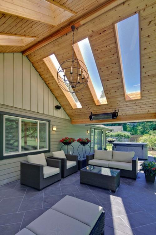 Dachfenster  Hause kronleuchter metall holz platten