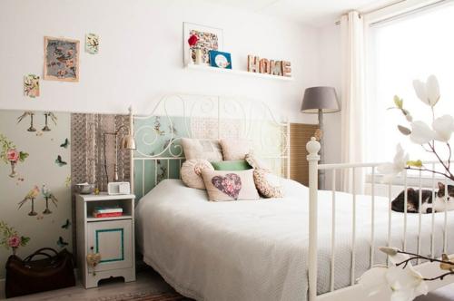 Dekoideen für Frühlingsdeko schlafzimmer bett nachttisch