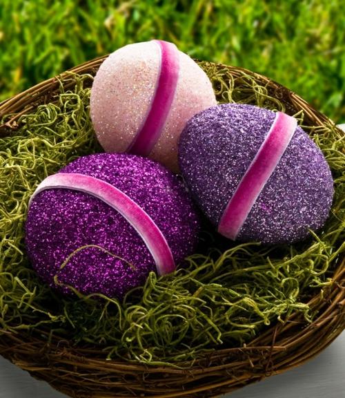 Dekoideen für Osterdeko Ostereier purpurrot