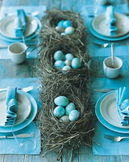blau bemalt eier Frische Tischdeko zu Ostern