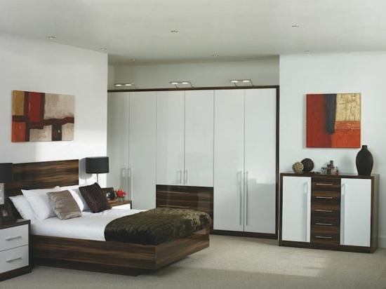 Wie man die richtige garderobe f rs schlafzimmer aussucht - Die richtige farbe furs schlafzimmer ...