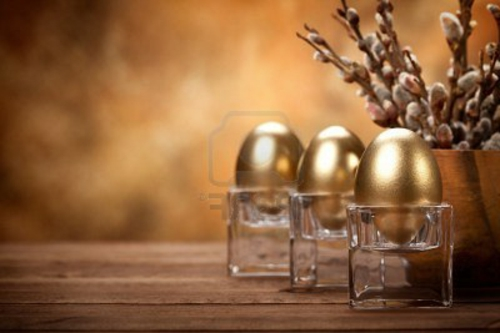Goldene Ostereier basteln eierhalter glas