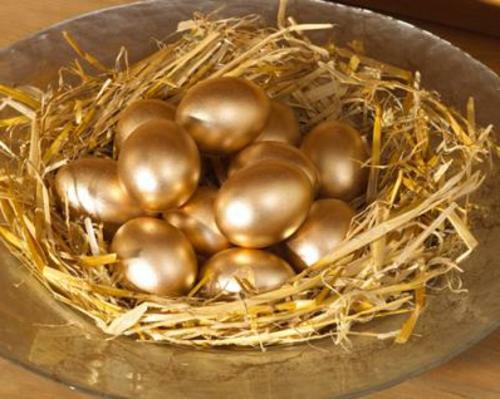 Ostereier Goldene basteln nest gelb platte
