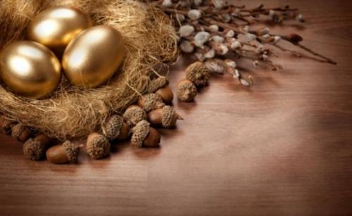 Goldene Ostereier basteln nest nüsse