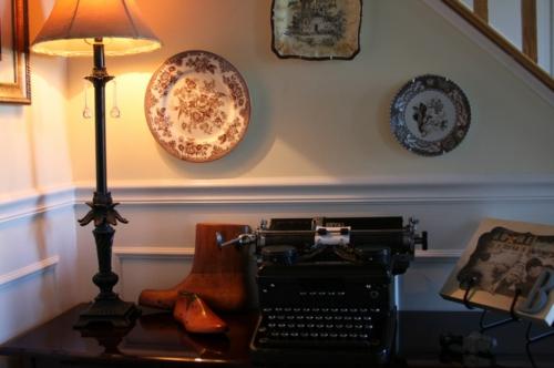 Home Office büro kompakt wandteller stehlampe schreibmaschine