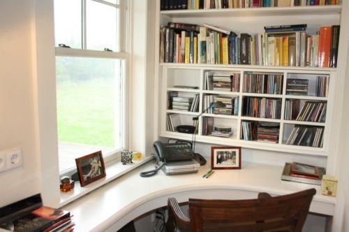 Home Office tisch holz telefon fenster tageslich schreibtisch