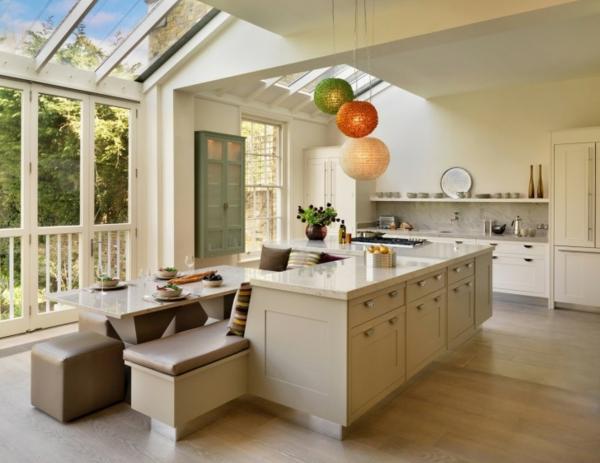 Kücheninsel gestalten fliesen hängelampen kugel