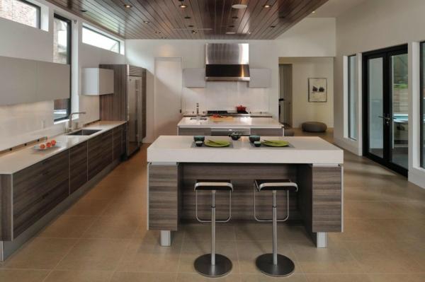Kücheninsel gestalten holz zeitgenössisch hocker teller