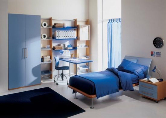 Kleiderschrank Garderobe blaue texturen oberflächen