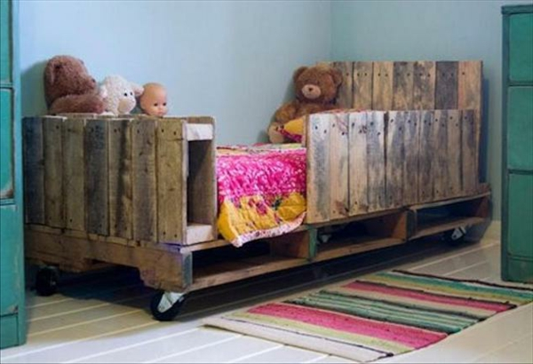 Möbel aus Europaletten basteln babybett zwillinge