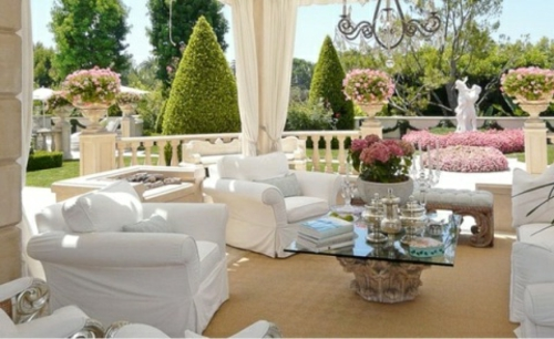 Moderne Terrasse gestalten bett raffiniert weiß mädchenhaft