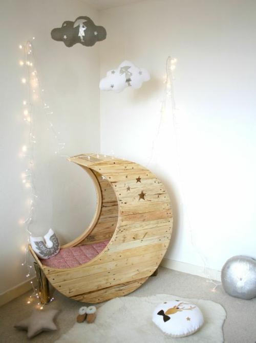 Mond Babywiege aus Europaletten bettdecke märchenhaft design