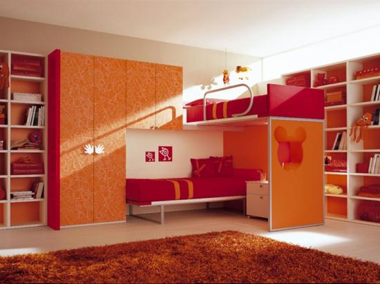Orange rot Farben Kleiderschrank Garderobe