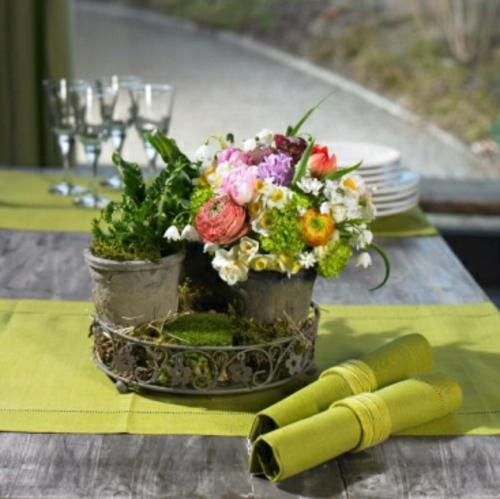 Osterdeko  Frühlingsblumen blumenstrauß tischläufer grün