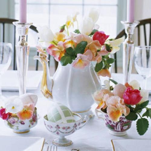 Osterdeko Frühlingsblumen frisch bunt elegant