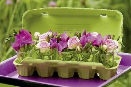 Osterdeko Frühlingsblumen grün bemalt eierverpackung