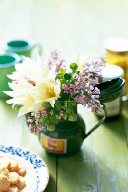 tulpen lila blüten vase blumenstrauß ostern