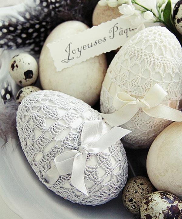 Ostern eier bemalen bunt garn gestrickt bezug