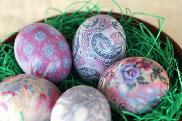 Ostern eier bemalen bunt garn muster paisleymuster