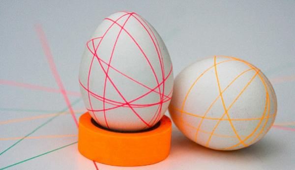 Ostereier bemalen bunt klebeband bunt geometrisch linien