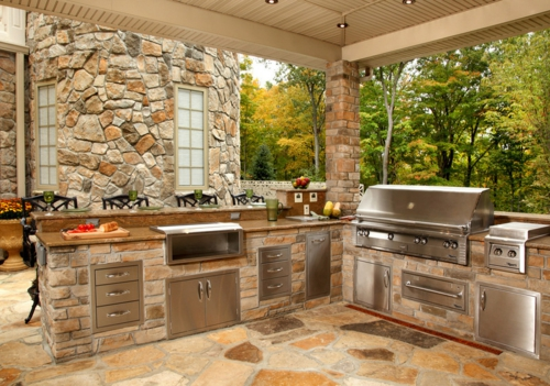 Outdoor Küche im Außenbereich exotisch naturstein kücheninsel