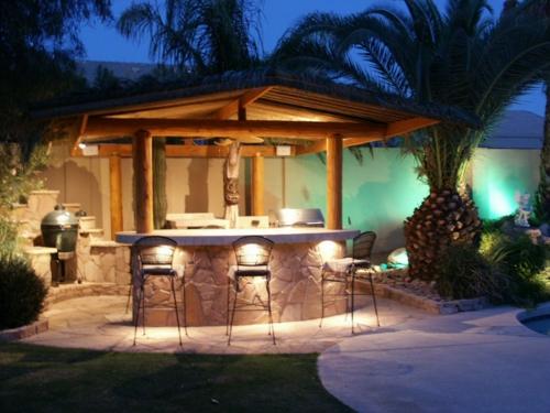 Outdoor Küche im Außenbereich metall hocker lehnen