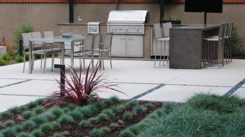 Outdoor Küche im Außenbereich pflanzen gartengestaltung grasfläche