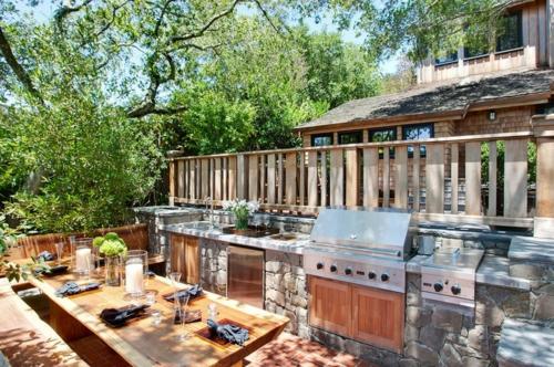 Outdoor Küche im Außenbereich pflanzen naturstein gestaltung