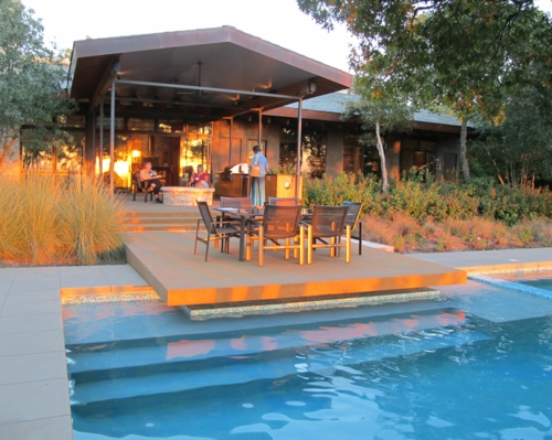 Outdoor Küche im Außenbereich pool treppe plattform