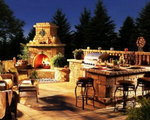 Outdoor Küche mit Grill feuerstelle barbecue stein